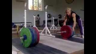 Боянка Костова - присед 215 кг (58 кг)