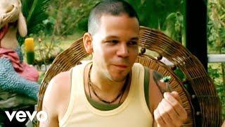 Un Beso De Desayuno - Calle 13 (Video)