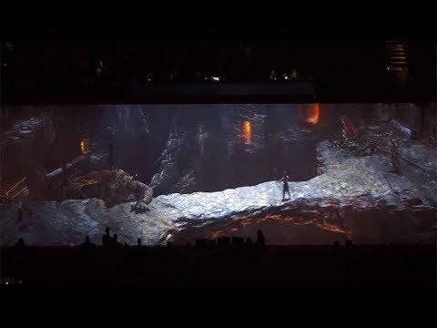 Vidéo de la séquence diffusée lors d'un match en NBA de God of War