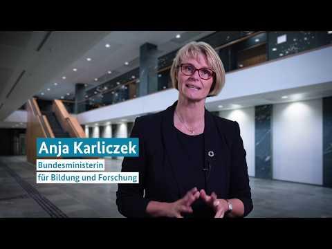 Grußwort der Botschafterin Anja Karliczek zur Maker Faire Hannover 2019