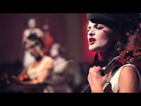 спектакль Дах Дотерс / Dakh Daughters Band в Львове - 3