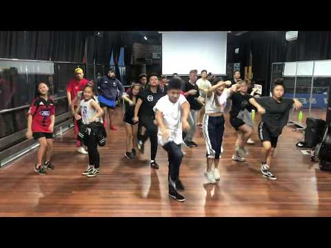 Chris Brown - Kiss Kiss Choreography by kennedy