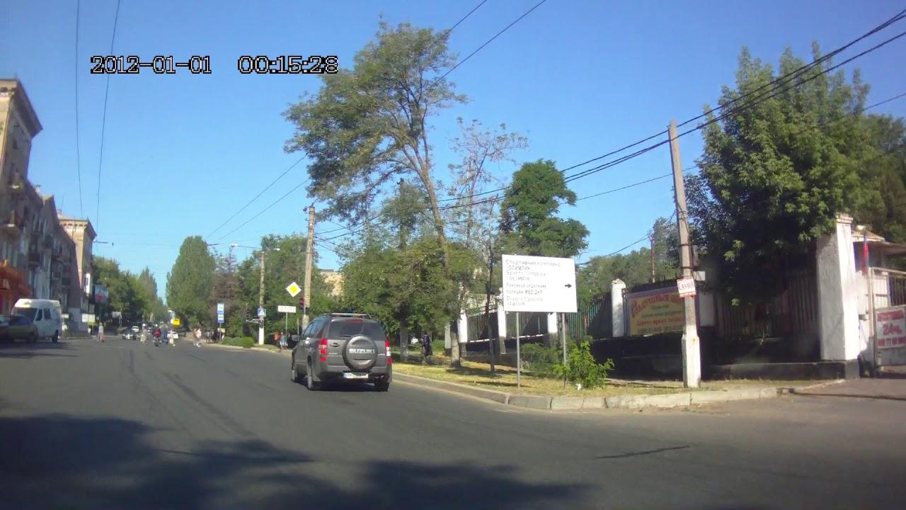 Мотоциклист ударил пьяного пешехода в Донецке