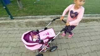 Elif bebek arabası ile parkta maşa elsa minik aliş hepsi beraber oyunlar, eğlenceli çocuk videosu