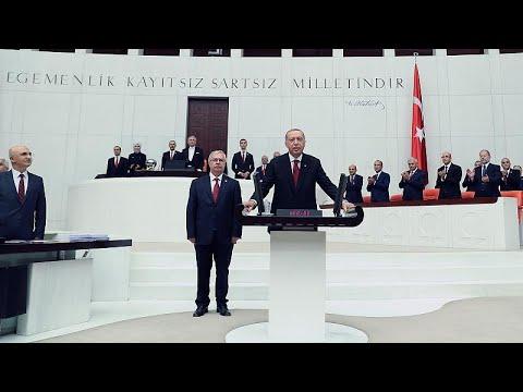 Ορκίστηκε ο Ερντογάν – Επισκέφτηκε το μαυσωλείο του Κεμάλ…