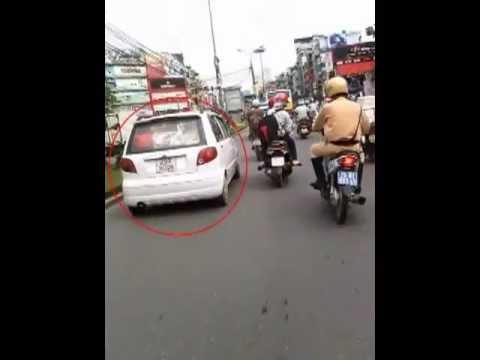 Hà Nội 17/7/2013: Cảnh sát truy đuổi ô tô như phim hành động