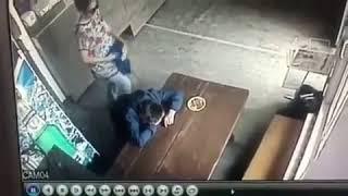 В Якутске разыскивают женщину, обокравшую мужчину в кафе