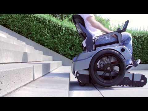 La innovadora silla de ruedas que sube y baja escaleras