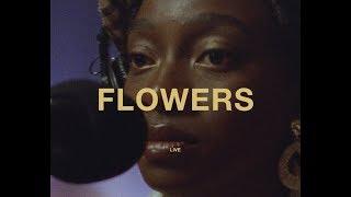 Musik-Video-Miniaturansicht zu Flowers Songtext von Little Simz ft. Michael Kiwanuka