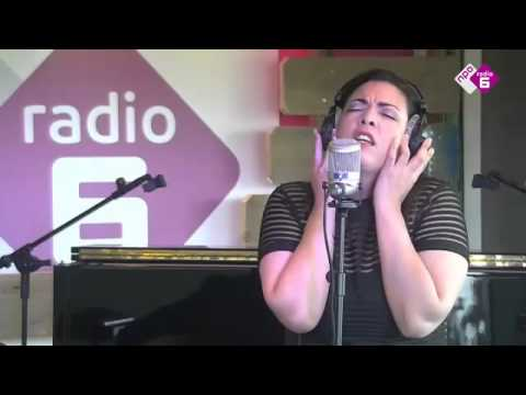 Caro Emerald - 'Dream A Little Dream Of Me' (The Mamas & The Papas cover) | NPO Soul en Jazz