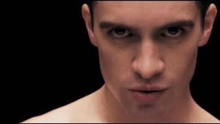 Gambar cover Panic! At The Disco - Girls/Girls/Boys (Sub Español - Lyrics) [OFFICIAL VIDEO]