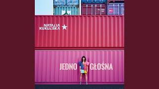 Kadr z teledysku Bezdomni bez siebie tekst piosenki Natalia Kukulska