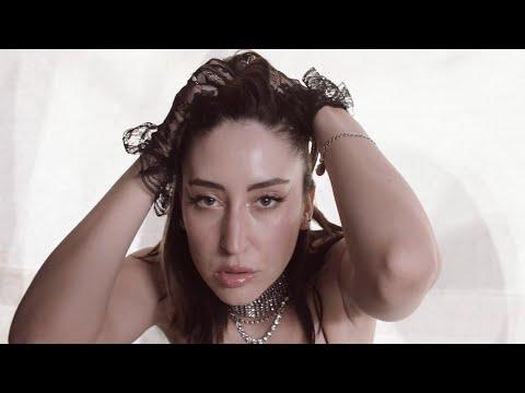 Strut (Feat. Elohim)