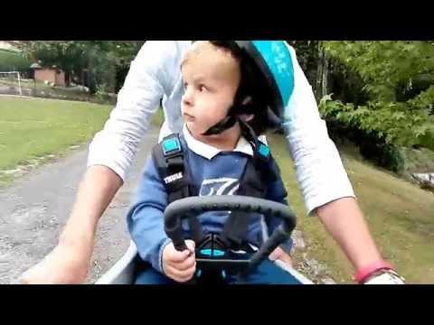 Llevar bebés en bici: silla delantera Thule