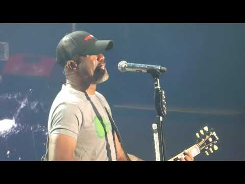 """Hootie and the Blowfish, """"Hold My Hand"""" - Mountain View, California, June 29, 2019"""