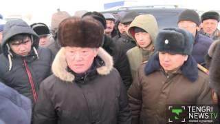 Сапарбаев навестил застрявших на трассе в Актюбинской области водителей