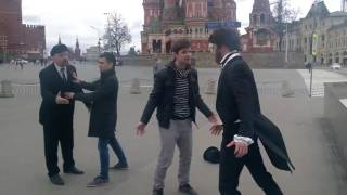 Пушкин и Ленин подрались на Красной площади из-за клиента