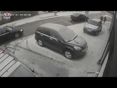 Сбил двух 16 летних девушек на пешеходном переходе и скрылся