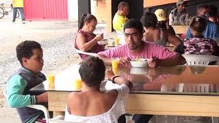 Restaurante solidário oferta refeições para famílias carentes.