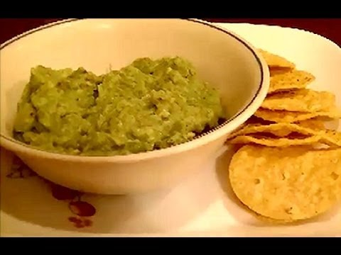 Review of Old El Paso Guacamole Mix, How to Cut an Avocado, and My First Taste of Guacamole