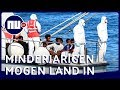 Minderjarige migranten mogen aan land in Italië | NU.nl