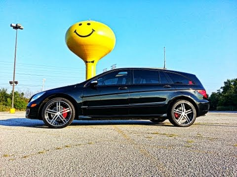 """2006 Mercedes Benz R350 Xtreme Customized Triple Black on 22"""" staggered Rims"""