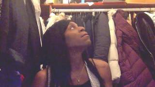 What's In My Rebecca M.A.C. Minkoff (chit-chat video) - Video Youtube