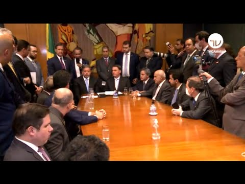 Bolsonaro entrega proposta de privatização dos Correios ao Congresso - 24/02/2021