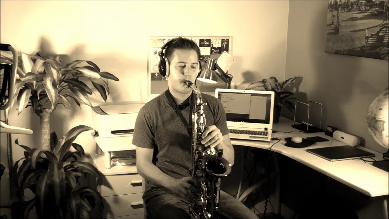 Ed Sheeran – Perfect – Saxophone cover by TheSaxWalker