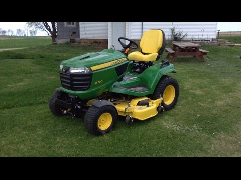 The best lawnmower review this side of the Mississippi – John Deere X730