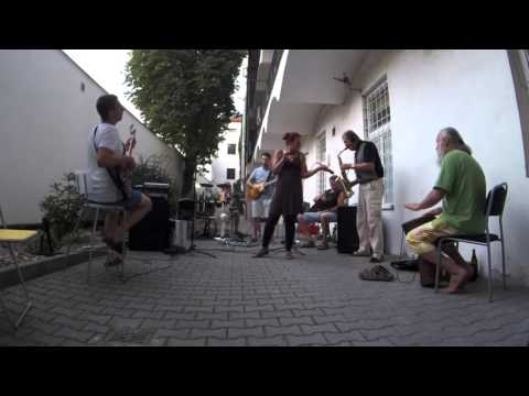 Slipy band - Hodně pus