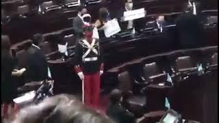 José Ubico y sus arrebatos en el Congreso, arremete contra diputados de oposición