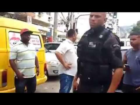 VÍDEO: ASSALTANTE É QUASE LINCHADO E MORADORES DÃO 'LIÇÃO DE MORAL'