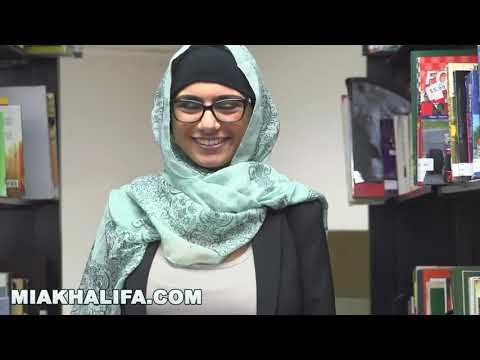 MIA KHALIFA COM - Arab Goddess Strips Naked In A Library Just For You