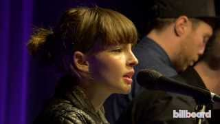 """Chvrches - """"The Mother We Share"""" Live at Billboard Women In Music 2013"""