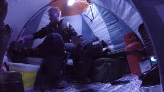 Зимняя рыбалка с ночёвкой при -20 и обустройство палатки.