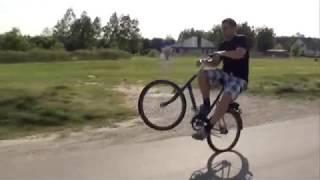 Pół kilometra na jednym kole na składaku