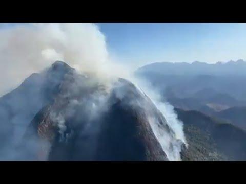 Incêndio no Vale dos Frades, em Teresópolis, chega ao quarto dia
