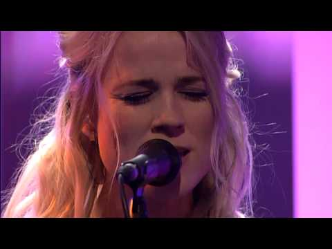 The Common Linnets - Love Goes On - DWDD 12-03-14 Mp3