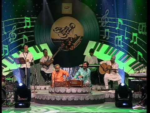 Sufi music aankhein teri kitni haseen love song for Koi umeed bar nahi aati