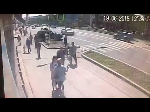 Двое пропустили, а третий сбил парня на пешеходном переходе в Петропавловске-Камчатском