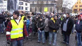 preview picture of video 'Salafistenkundgebung in Mönchengladbach am 08.02.2014'