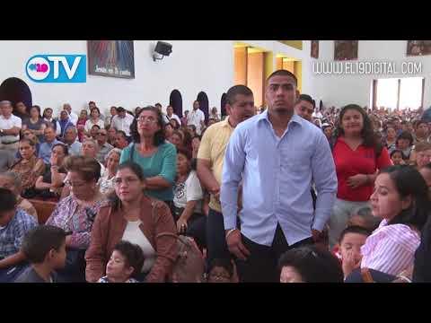Familias participan en Misa Crismal junto al Cardenal Leopoldo Brenes