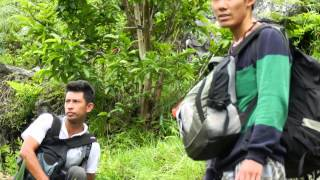 preview picture of video 'Helambu trek with friend'