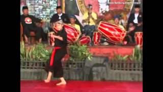 Pencak Silat Tepak Dua Ayun Ambing Naek Balik Subuh - Gadjah Putih Gemah Kodya Bandung