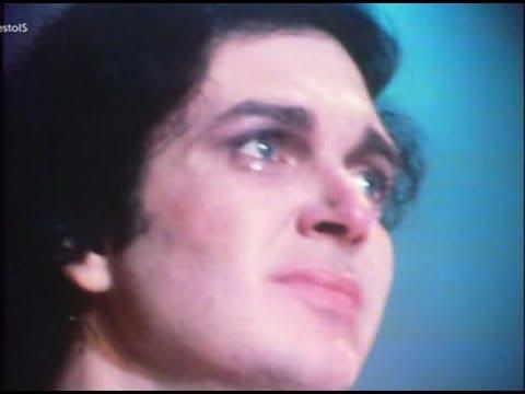 Camilo Sesto - Llora al cantarle Perdóname a su madre