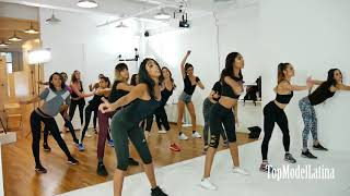 The Making Of The 2017 Top Model Latina Fashion Show Episode 12