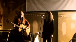 Video Me&She - Umbrella (cover)