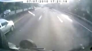 Лопнула шина - ДТП - ШинЦентр.рф