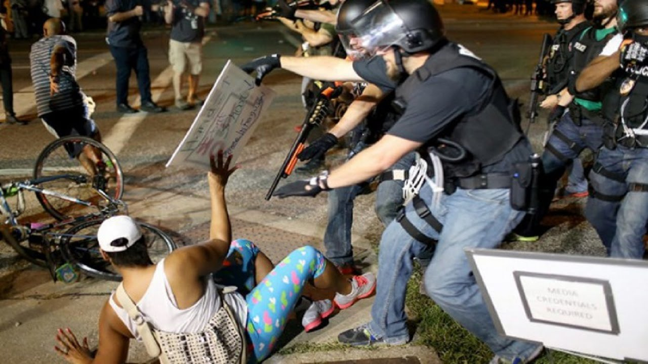Department Of Justice Goes After Ferguson Police Department thumbnail
